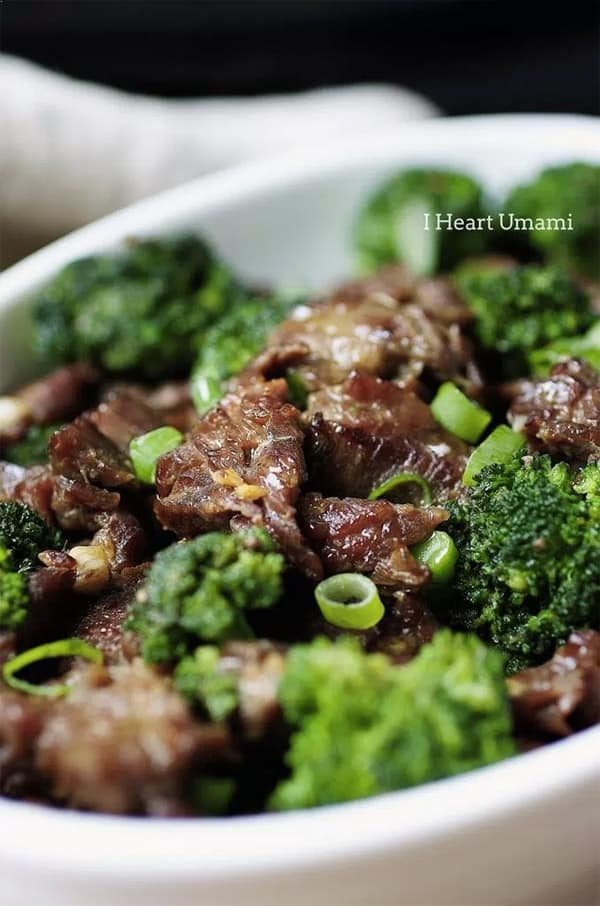 Paleo Beef. 7 Best Paleo Recipes – Cook a Paleo Dinner every weeknight in under 30 minutes! Paleo for beginners should be easy and fun to cook, so I made a list of my favorite Paleo diet meals. Easy Paleo recipes for weight loss.