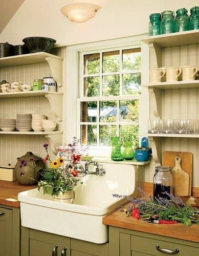 How do you make a small kitchen look bigger?Look at these DIY Remodeling Kitchen Ideas on a Budget – they will teach you how to make a small kitchen look bigger! You can find here what are the different styles of kitchens and what are the different types of kitchen layout – get some kitchen design and decor ideas, furniture makeovers.
