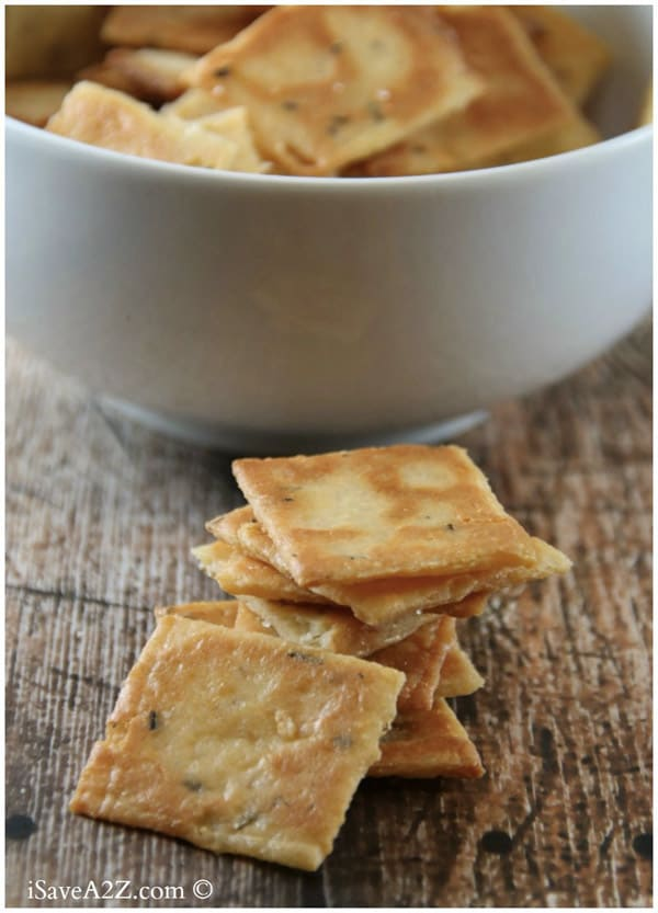 Cheese Crackers - Here are hand-picked simple 12 DIY Keto Snacks On the Go for keeping you Ketogenic diet all the day and even while traveling. These low carb savoury fat bombs and treats will fill you up and help you lose weight. Take these home-made Keto snacks to work or a trip – they are easy to keep and heat up. #keto #ketogenic #ketorecipes #ketogenicdiet #ketodiet