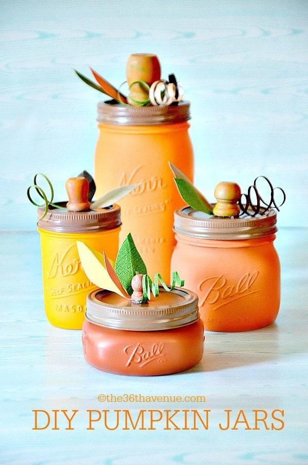 Get these creative Halloween mason jar crafts easy DIY ideas for home decor. Cheap DIY Halloween decorations for your house #halloween #crafts #diy #diyhomedecor #halloweendecorations #masonjars