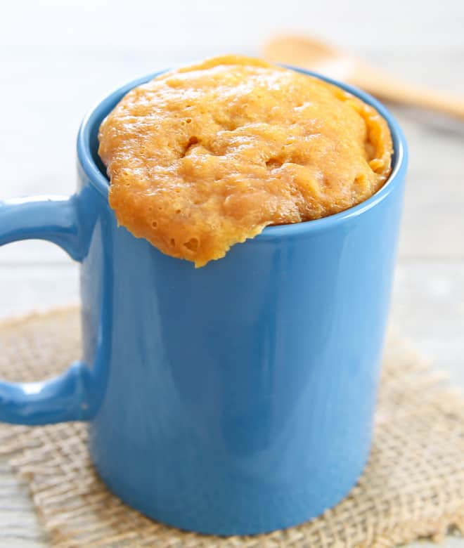 Keto Mug Cake – Recipes of Healthy Low Carb Mug Cakes for Ketogenic Diet. When you are keeping a Keto diet, restrictions are tight but sometimes you really need an emergency Keto cake in a mug that is very low in carbs. #keto #ketogenic #ketodiet #ketorecipes #lowcarb #recipes #dessertfoodrecipes #cake