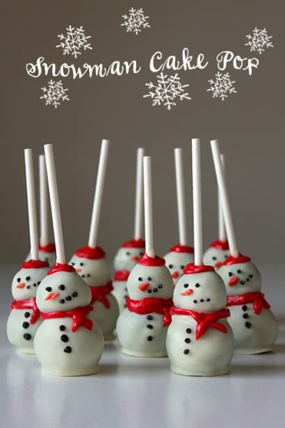 Snowman Cake Pops - Best Christmas Desserts - Recipes and Christmas Treats to Try this Year! Try these amazing and cute easy Christmas dessert recipes to have a great party for your kids, friends, and family! Cupcakes, cakes, sweet bites, pies, brownies, home-made Christmas popcorn, Christmas cookies and other delights. #christmas #dessertfoodrecipes #xmas #recipes #food #christmasfood