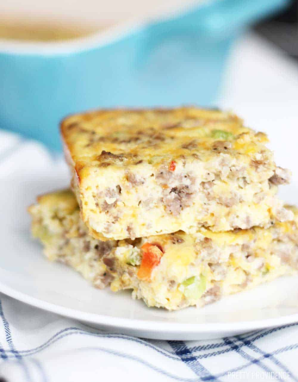 Cheesy Breakfast Casserole - Best Keto Breakfast Casserole Recipes for Ketogenic Diet. Try these amazing Keto breakfast casserole recipes with bacon, cream cheese, spinach or with ham. Great low carb make ahead breakfast, also some slow cooker recipes. #keto #ketogenic #ketorecipes #diet #food #lowcarb