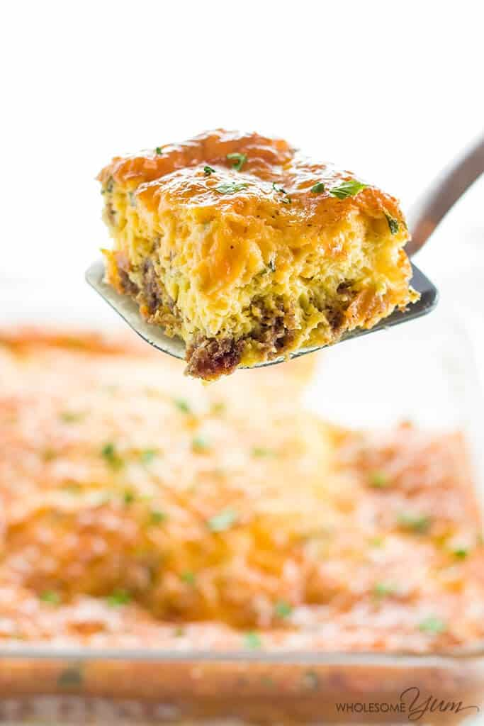 Healthy Keto Low Carb Breakfast Casserole Recipe with Sausage and Cheese - Gluten Free - Best Keto Breakfast Casserole Recipes for Ketogenic Diet. Try these amazing Keto breakfast casserole recipes with bacon, cream cheese, spinach or with ham. Great low carb make ahead breakfast, also some slow cooker recipes. #keto #ketogenic #ketorecipes #diet #food #lowcarb